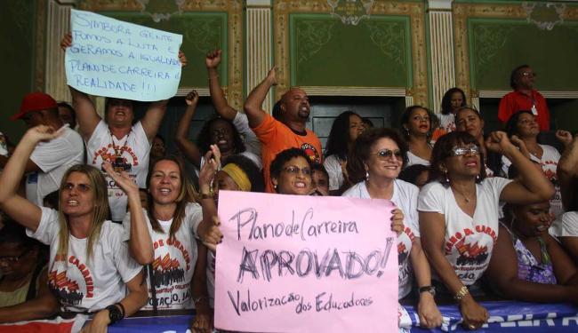 Servidores foram decididos a dar um basta nas protelações em torno do plano de 63 artigos - Foto: Lúcio Távora   Ag. A TARDE