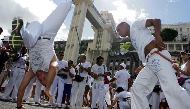 Roda de capoeira é uma das manifestações culturais mais conhecidas no Brasil - Foto: Marco Aurélio Martins | Ag. A TARDE