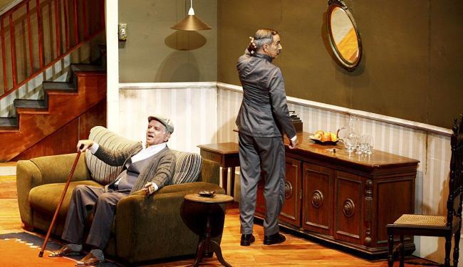 Fernando Neves e Antônio Fábio em cena da montagem dirigida por Harildo Déda - Foto: Fernando Vivas | Ag. A TARDE