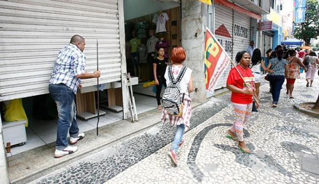 Nos dias 11 e 12, lojas da avenida Sete de Setembro foram fechadas durante protesto - Foto: Luciano da Matta | Ag. A TARDE