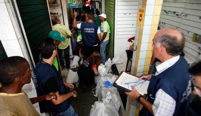 Durante a operação, todos os boxes do Feiraguai fecharam as portas - Foto: Luiz Tito | Ag. A TARDE