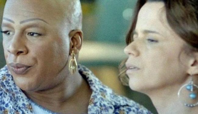 Xana fica com ciúme ao ver Naná com Antônio - Foto: Reprodução | TV Globo