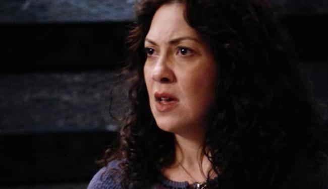 Cristina desconfia de traição do marido - Foto: Reprodução   TV Globo