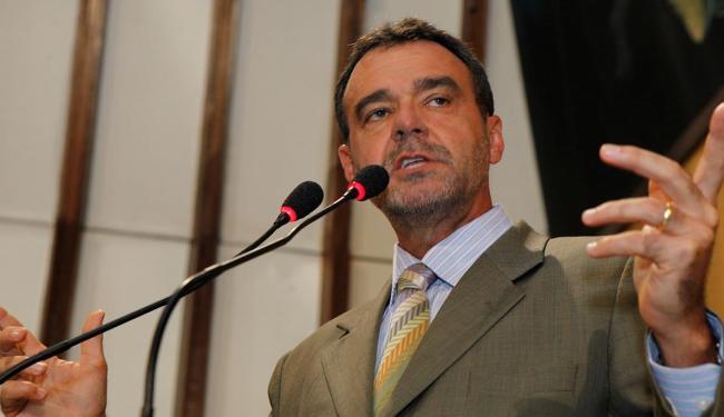 Almeida nega qualquer ilegalidade - Foto: Rejane Carneiro   30/05/2011   Ag. A TARDE