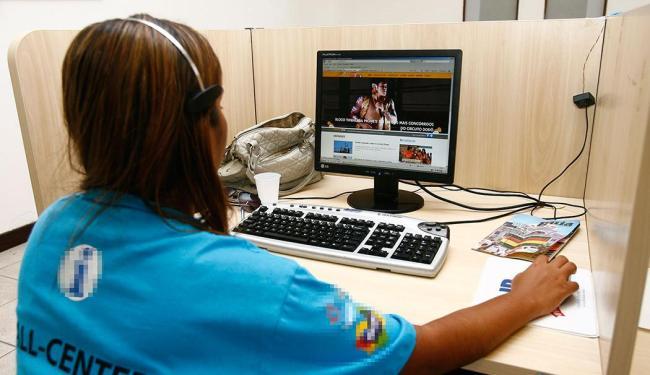 Função de operador de telemarketing tem maior demanda, por isso estão sendo ofertadas 600 vagas - Foto: Claudionor Junior   Ag. A TARDE