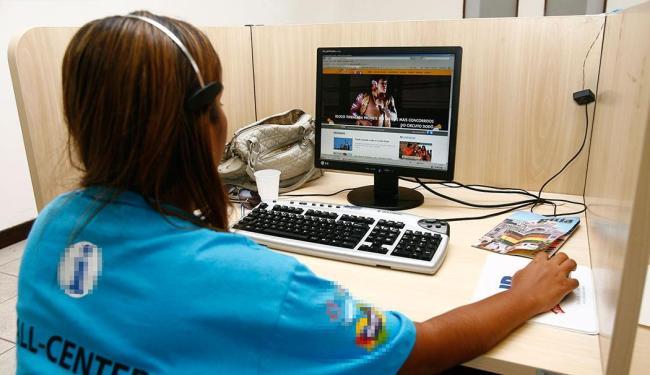 Função de operador de telemarketing oferece 530 vagas nesta sexta-feira, 21 - Foto: Claudionor Junior | Ag. A TARDE