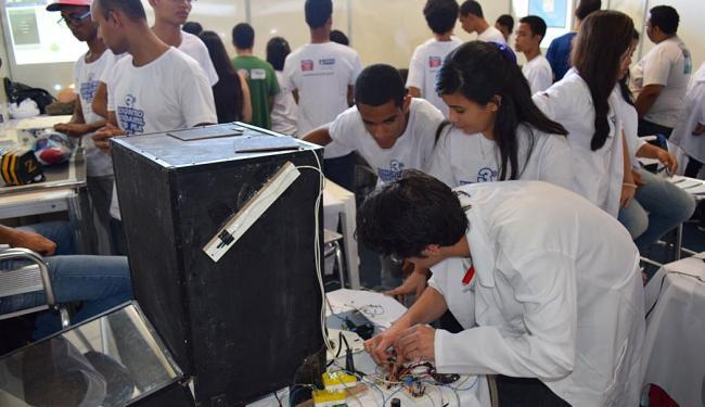 Experimentos científicos atraíram a atenção dos frequentadores e participantes da Feira de Ciências - Foto: Geraldo Carvalho | Divulgação