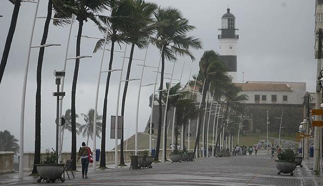 Barra ficou com os principais pontos turísticos esvaziados nesta terça-feira - Foto: Raul Spinassé | Ag. A TARDE