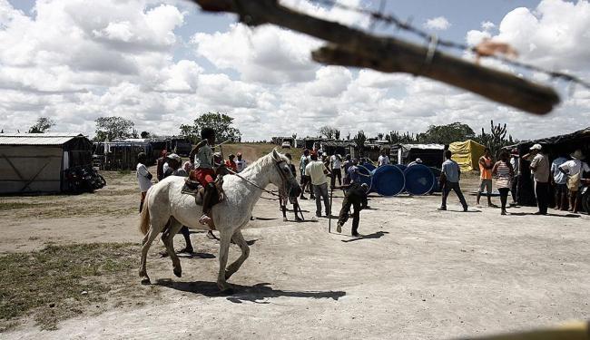 Cerca de 300 famílias do MST ocupam a fazenda Marruais, em Coité - Foto: Luiz Tito   Ag. A TARDE