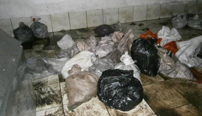 Produtos eram estocados em câmara improvisada, sem controle de temperatura - Foto: Ascom | Políca Civil