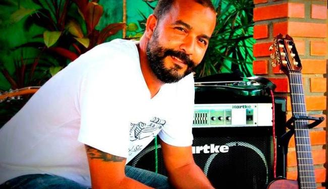 No show, J Ribeiro ainda terá os convidados Duca Vasconcelos e guitarrista Marcelo - Foto: Divulgação