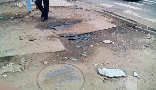 Denunciante registrou sujeira, pedras, buracos e o barro solto na rua por conta das obras - Foto: Cidadão Repórter   Foto do Leitor