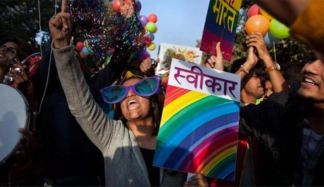 Comunidade LGBT se manifestou contra a criminalização das relações homossexuais - Foto: Tsering Topgyal | AP