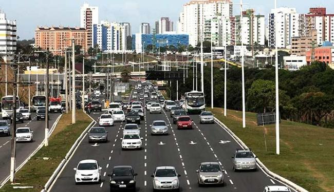 Avenida Paralela impulsionou a expansão urbana no sentido norte de Salvador - Foto: Mila Cordeiro | Ag. A TARDE