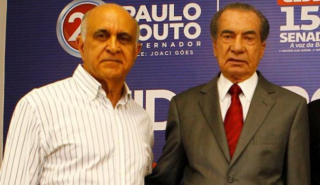 Paulo Souto (E) e João Durval têm direito à aposentadoria vitalícia - Foto: Eduardo Martins | Ag. A TARDE | 11.08.2014