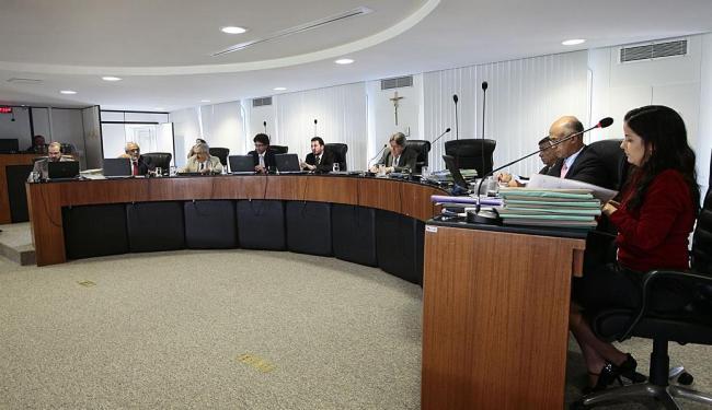 O Tribunal de Contas do Estado (TCE) constatou uma série de irregularidades na Sesab - Foto: Mila Cordeiro | Ag. A TARDE |