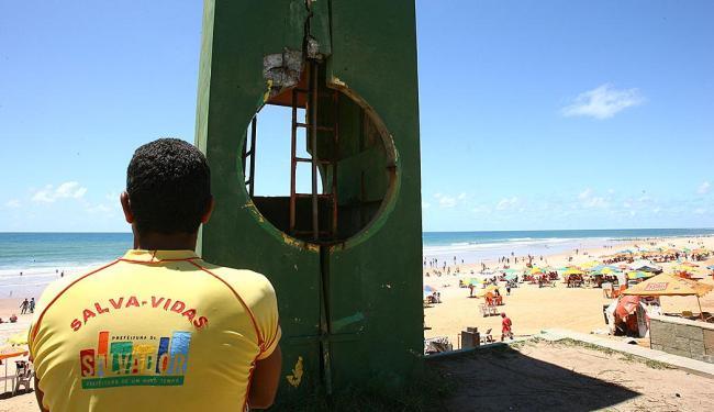 Banho na praia do Corsário deve ser evitado na região em frente ao Posto Salva-Vidas - Foto: Fernando Amorim | Ag. A TARDE