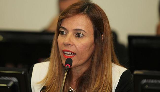 Promotora Rita Tourinho alega que a Assembleia descumpriu TAC - Foto: Edilson Lima   Ag. A TARDE   31.01.2014