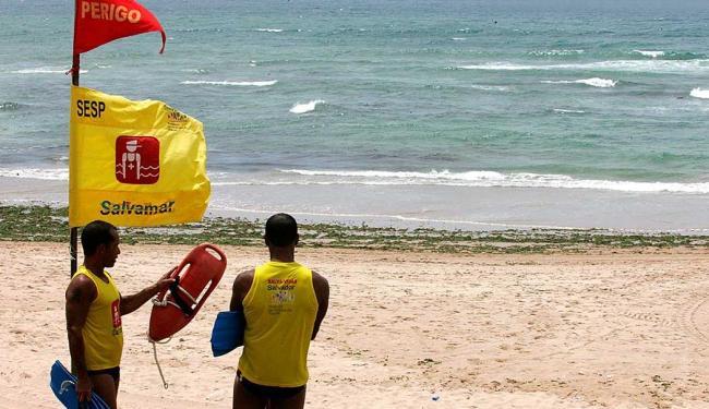 Função de salva-vidas está entre as vagas temporárias disponíveis - Foto: Foto: Eduardo Martins