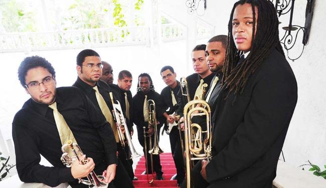 A Sanbone Pagode Orquestra se apresenta nesta quinta no Teatro Sesc Casa do Comércio - Foto: Gajé | Divulgação