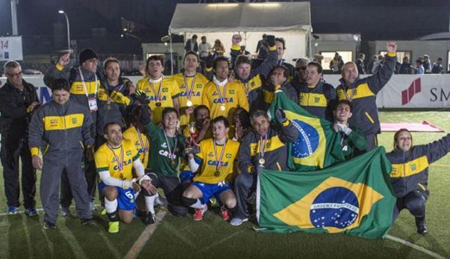 Jogadores do Brasil comemoram após vencer a Argentina na final - Foto: Reprodução | CPB