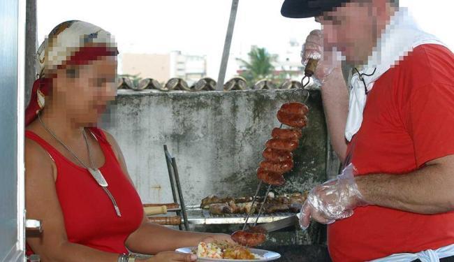 Função de churrasqueiro está disponível para esta quinta-feira, 27 - Foto: Abmael Silva | Ag. A TARDE