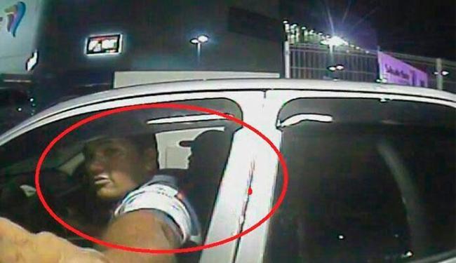 Suspeitos do roubo foram identificados pela câmeras de segurância do shopping - Foto: Reprodução