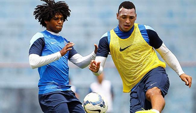 Zagueiro (D) volta a ser titular após quase dois meses entre os reservas - Foto: Eduardo Martins   Ag. A TARDE