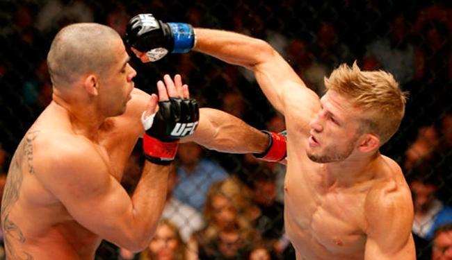 Barão perdeu cinturão para Dillashaw após ser nocauteado - Foto: Divulgação   UFC