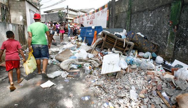 Cerca de 3 mil toneladas de lixo são recolhidas por dia em Salvador - Foto: Fernando Amorim | Ag. A TARDE | 5.10.2014