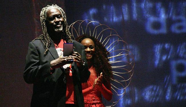 Vovô recebeu o prêmio em nome da Associação Cultural Bloco Carnavalesco Ilê Aiyê,na categoria Sênior - Foto: Margarida Neide | Ag. A TARDE