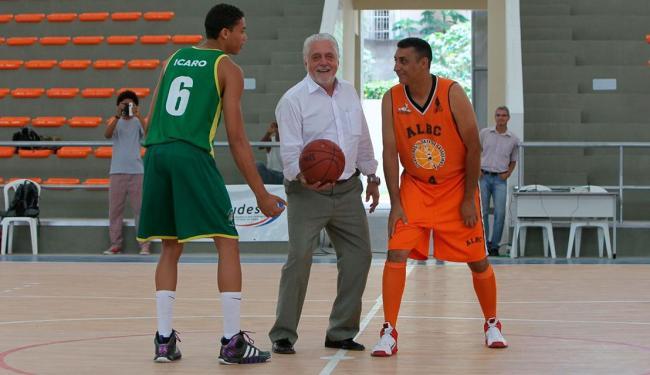 Uma partida de basquete inaugurou o ginásio em Cajazeiras - Foto: Manu Dias | GOVBA | Divulgação