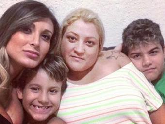 Andressa com o filho, a mãe e o irmão caçula - Foto: Reprodução | Instagram