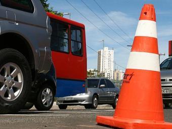 O tráfego de veículos será liberado a partir das 6h da terça-feira, 9 - Foto: Iracema Chequer   Ag. A TARDE   02.04.2007