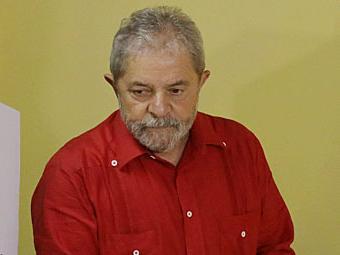 Lula apenas afirmou que estranhava ver informações que deveriam ser sigilosas serem vazadas - Foto: Nelson Antoine   AP Photo   26.10.2014