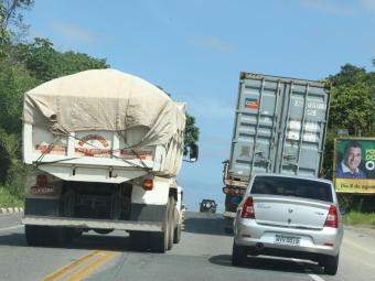 Cuidado com as ultrapassagens na estrada - Foto: Arquivo Ag. A TARDE
