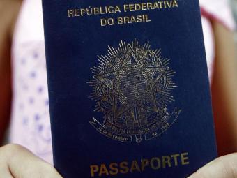 D.O.U. publica decreto com as novas regras para tirar o documento - Foto: Lunaé Parracho | Ag. A TARDE | 08.09.2011