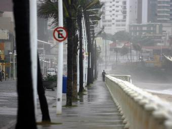 Chuva causa transtornos na capital baiana - Foto: Raul Spinassé | Ag. A TARDE