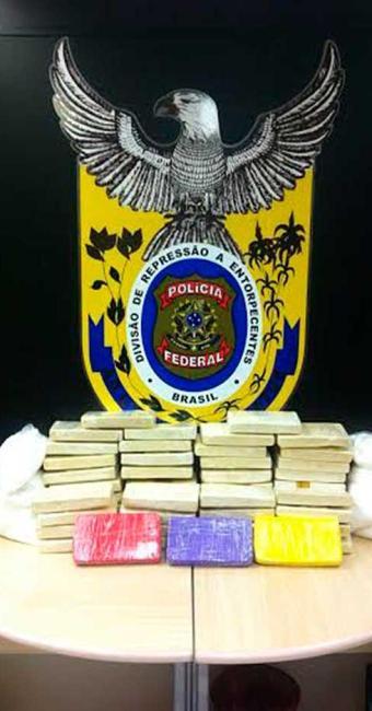Cocaína foi apreendida durante blitz de rotina montada no posto da PRF em Feira de Santana - Foto: Divulgação   Polícia Federal