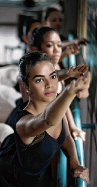 Escola de balé da Cidade do Saber - Foto: Raul Spinassé   Ag. A TARDE