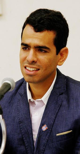 Chapa do candidato Olavo Fonseca promete recorrer na Justiça caso o concorrente (foto) seja eleito - Foto: Marco Aurélio Martins   Ag. A TARDE