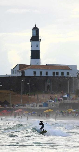 Praia do Farol da Barra está entre as não indicadas para banho - Foto: Fernando Vivas | Ag. A TARDE