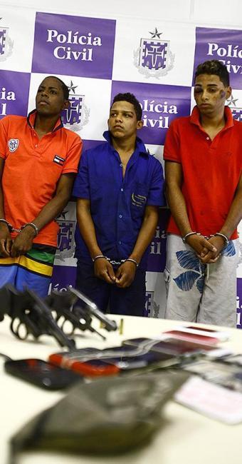 Rafael (E), Rodrigo (C) e Jefferson estão na Cadeia Pública - Foto: Edilson Lima | Ag. A TARDE