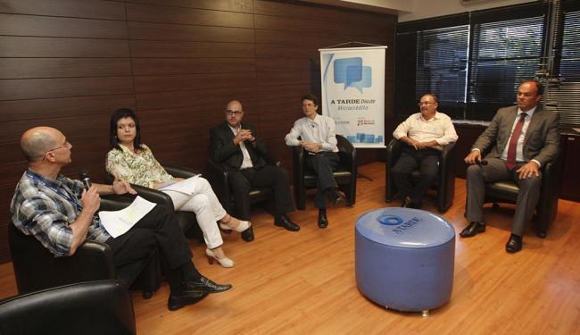 Dirigentes do BNB, BB, Desenbahia, Sebrae e Fieb debatem os desafios e gargalos no microcrédito - Foto: Margarida Neide | Ag. A TARDE