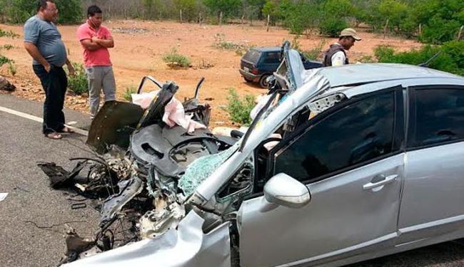 Acidente aconteceu na manhã desta quinta-feira, próximo à cidade de Curaçá - Foto: Cidadão Repórter   Ag. A TARDE