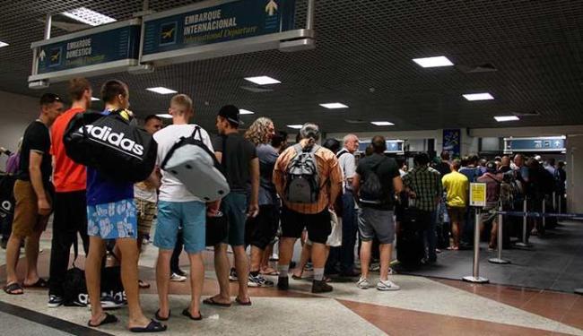 Aeroporto de Salvador é um dos poucos do país a contar com um posto permanente do Procon - Foto: Joá Souza   Ag. A TARDE