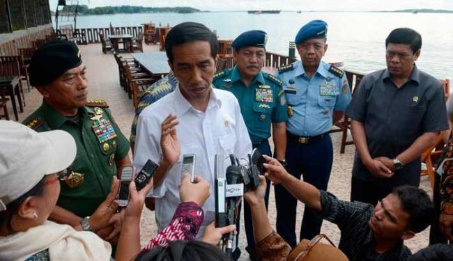 Presidente da Indonésia fala com a imprensa sobre o trágico acidente - Foto: Agência Reuters