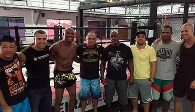 Anderson Silva treina com a equipe em pleno Natal - Foto: Reprodução   Instagram