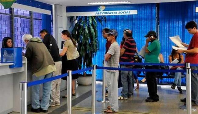 Quem perder o prazo poderá ter o benefício suspenso - Foto: Antonio Cruz/Agência Brasil