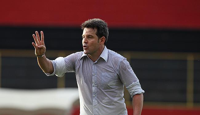 Diretor de futebol rubro-negro entrou em contato com Argel, que livrou o Figueirense do rebaixamento - Foto: Lúcio Távora   Ag. A TARDE